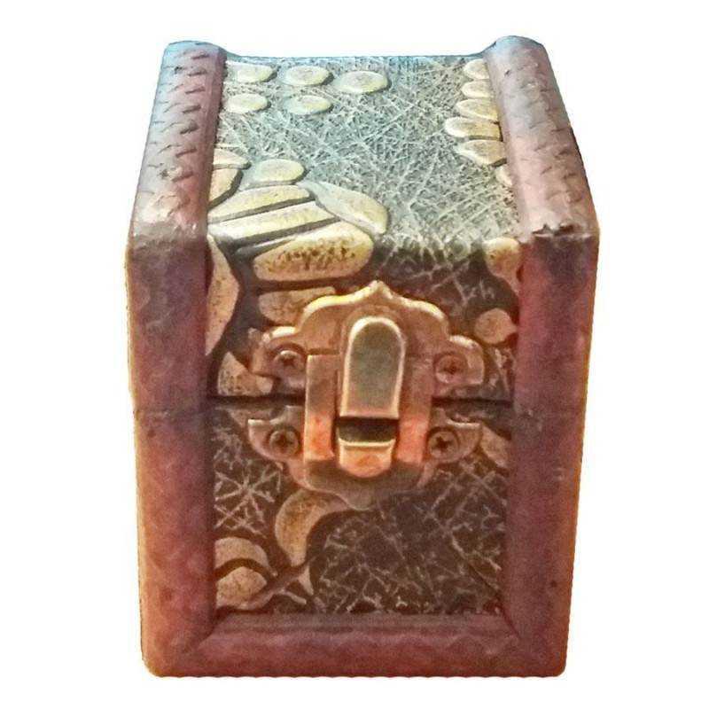 https://www.dobo.it/4818-thickbox_default/bauli-anticati-fatti-a-mano-legno-scatole-artigianali-contenitori-portagioie.jpg
